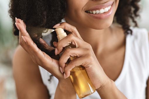 Comment procéder pour réparer les cheveux abimés par le coup de soleil et la plage ?
